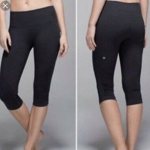 Lululemon | In The Flow Crop Ruched Capri